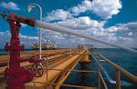 科威特波斯湾海岸外的石油设备